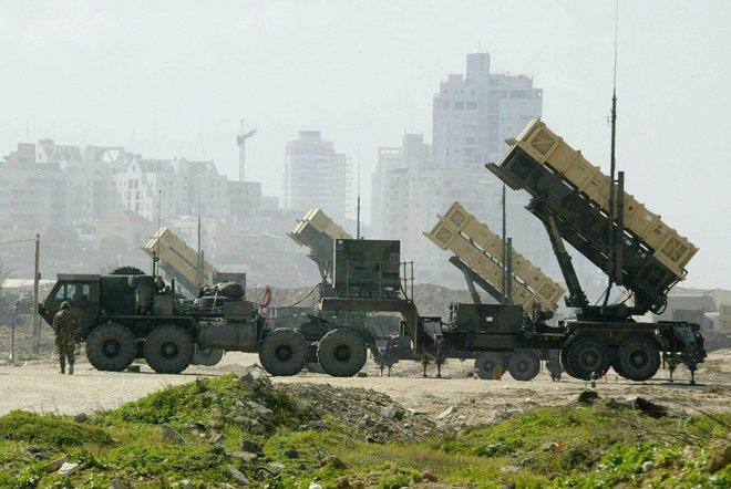 Bất ngờ trước tên lửa Syria khiến Israel tối tăm mặt mũi: Patriot lại bị đánh bại? - Ảnh 1.