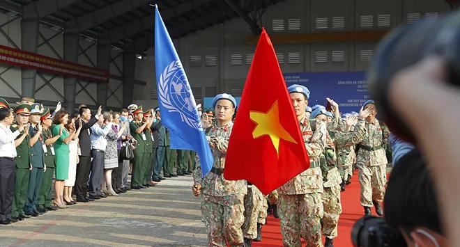Báo Nga: Quân nhân Việt Nam được sĩ quan Mỹ, châu Âu khen hết lời - Ảnh 1.