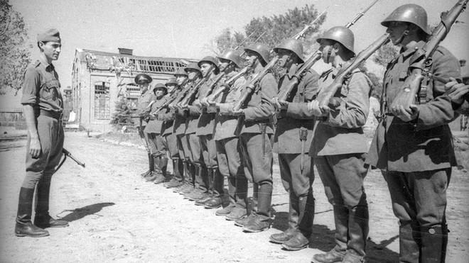 Kề vai Hitler chống lại Hồng quân ở Thế chiến II: Nhìn sâu vào động cơ mỗi nước chọn chiến đấu - Ảnh 4.