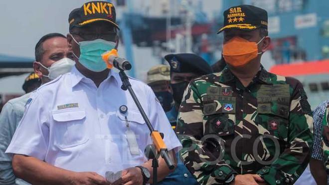 Phát hiện vật thể chưa xác định nghi là tàu ngầm Indonesia - Dân quân Donbass kêu gọi TT Ukraine đừng trốn trong bụi rậm - Ảnh 1.
