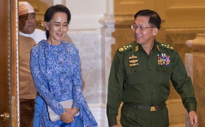 """""""Chính phủ Đoàn kết"""" phe bà Suu Kyi giục Interpol bắt Thống tướng Myanmar tại thượng đỉnh ASEAN"""