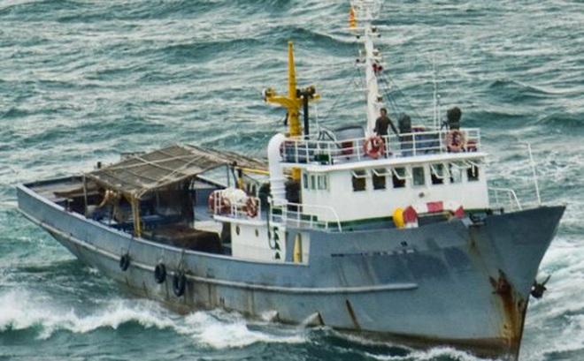 """Tàu V630 Hải quân VN 2 lần trườn qua """"sát thủ tàng hình"""": Chuyến đi vô tiền khoáng hậu"""