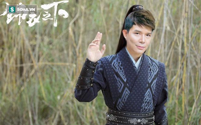 Nathan Lee giáng thế, phế bỏ Ngọc Trinh, đánh bại Thái Sơn, nhất thống giang hồ - Ảnh 1.