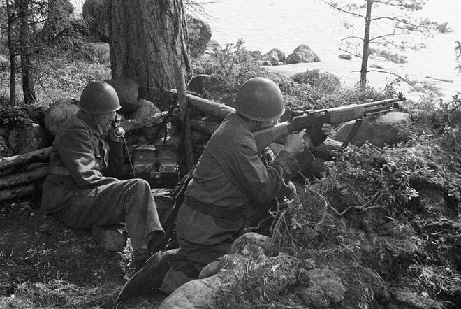 Kề vai Hitler chống lại Hồng quân ở Thế chiến II: Nhìn sâu vào động cơ mỗi nước chọn chiến đấu - Ảnh 10.