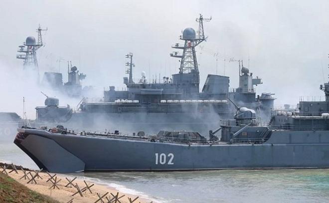 Nga rút quân khỏi biên giới với Ukraine, nhưng vẫn đóng cửa Biển Đen