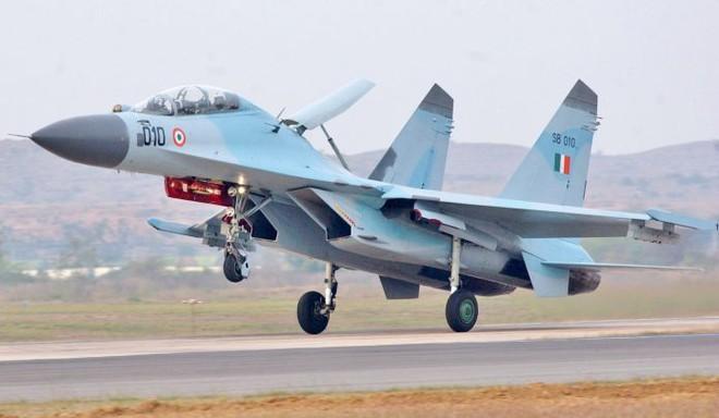 Siêu tiêm kích F-35: Tại sao Ấn Độ không muốn mua còn Mỹ cũng không muốn bán? - Ảnh 2.