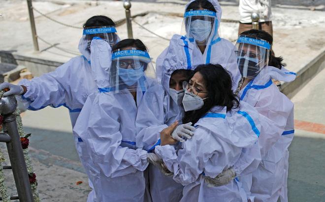 'Thủ phạm' đằng sau làn sóng COVID-19 khủng khiếp ở Ấn Độ và bài học cho toàn thế giới