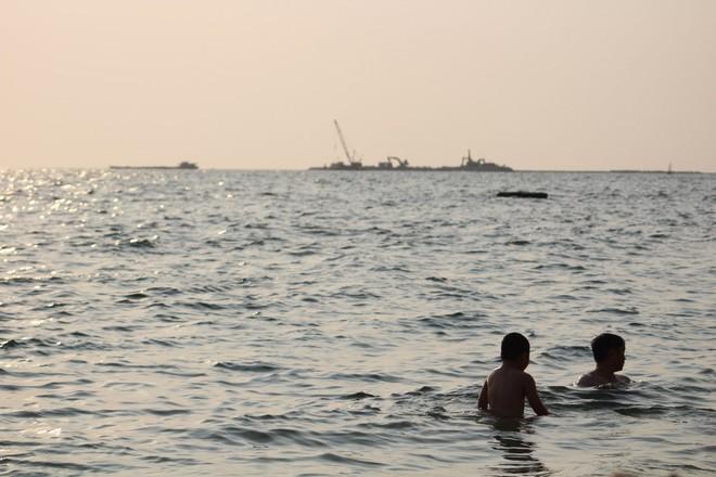 Báo ngoại: Thực tế khó tin tại Việt Nam và quên Phuket đi, đây là Phú Quốc - Ảnh 1.