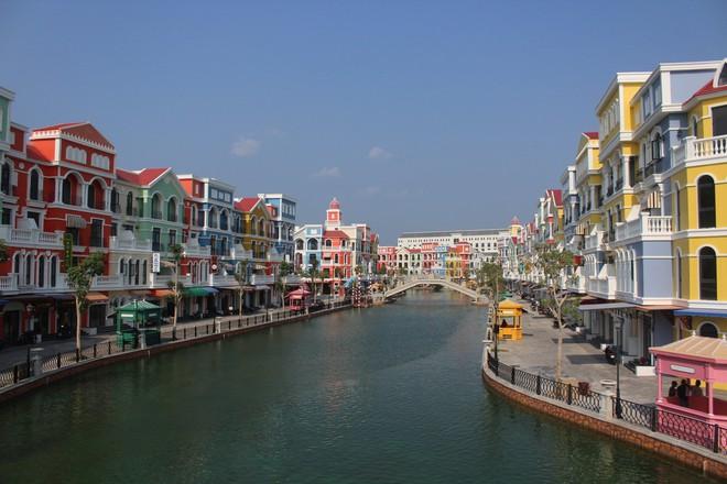 Báo ngoại: Thực tế khó tin tại Việt Nam và quên Phuket đi, đây là Phú Quốc - Ảnh 3.