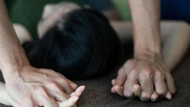 Tố đích danh người yêu cũ là kẻ đột nhập cưỡng bức mình, cô gái trẻ khiến vụ án bế tắc gần 10 năm và chân tướng khiến nạn nhân không thể ngờ đến - Ảnh 2.