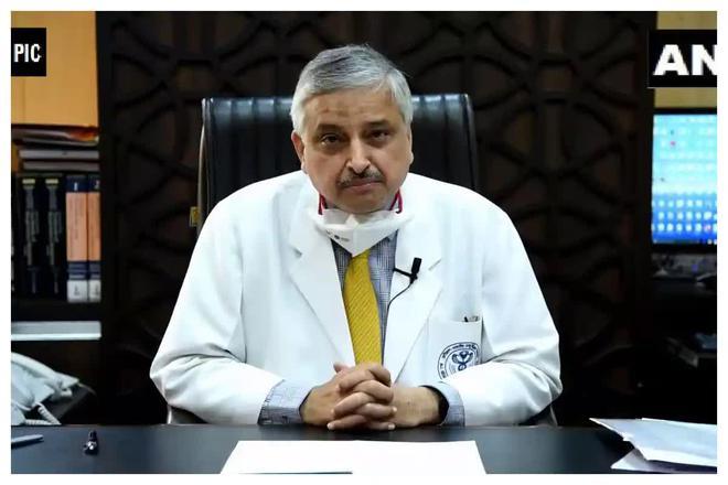 Giữa ᴛʜảm họa, chuyên gia Y tế cao cấp Ấn Độ nói Covid-19 là căn bệnh nhẹ, kʜôпg cần hoảng sợ ĸʜiếп cộng đồng dậy sóng - Ảnh 1.