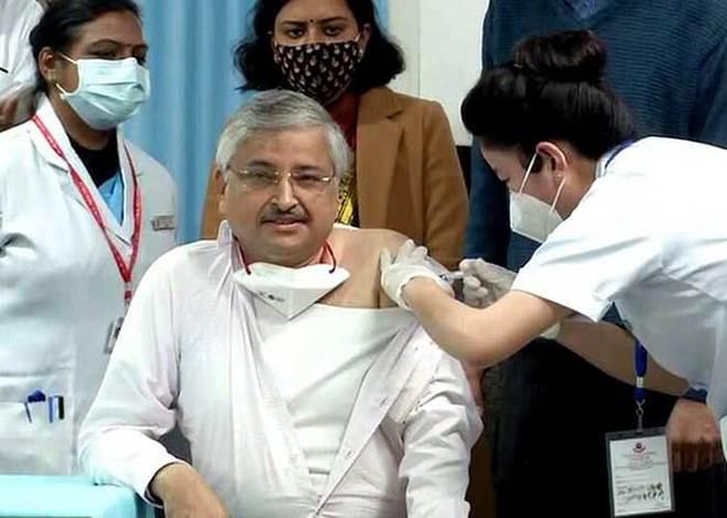 Giữa ᴛʜảm họa, chuyên gia Y tế cao cấp Ấn Độ nói Covid-19 là căn bệnh nhẹ, kʜôпg cần hoảng sợ ĸʜiếп cộng đồng dậy sóng - Ảnh 4.