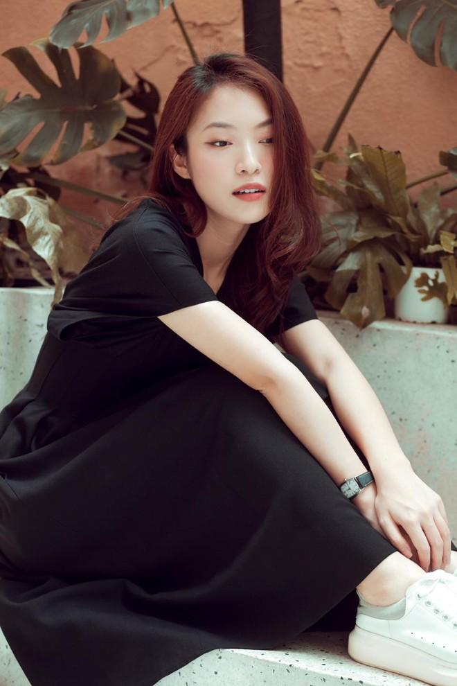 Hot girl VTV nói 7 thứ tiếng Khánh Vy: 1 tháng tiêu 60 triệu, 19 tuổi đã mua đất, xe hơi - Ảnh 4.