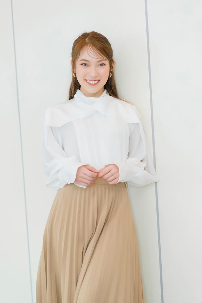 Hot girl VTV nói 7 thứ tiếng Khánh Vy: 1 tháng tiêu 60 triệu, 19 tuổi đã mua đất, xe hơi - Ảnh 3.