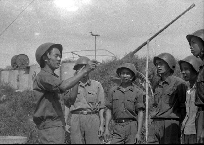 Pháo cao xạ bảo vệ lãnh tụ Cuba Fidel Castro, Nguyên thủ đầu tiên và duy nhất trên TG vào thăm vùng giải phóng Quảng Trị - Ảnh 2.