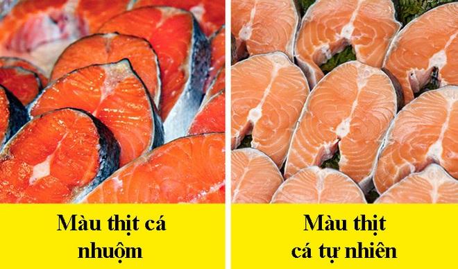 8 dấu hiệu nhận biết chọn mua cá tươi ngon: Cá hồi màu đẹp không hẳn đã tốt 007