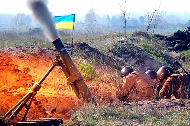 Hàng đoàn trực thăng QS Nga áp sát biên giới Ukraine - Kiev ngồi trên đống lửa trước kịch bản bị tấn công - Ảnh 1.