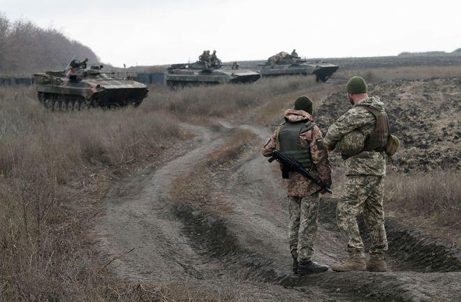 QĐ Nga cơ động tới biên giới Ukraine - Sau pháo kích dọn đường, Kiev tính tung cơ giới vào trận ở Donbass? - Ảnh 1.