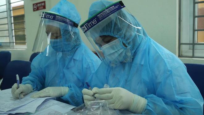 Giám đốc Sở Y tế Hà Nội đề nghị giãn cách xã hội một xã ở Đông Anh liên quan bệnh nhân Covid-19 - Ảnh 1.