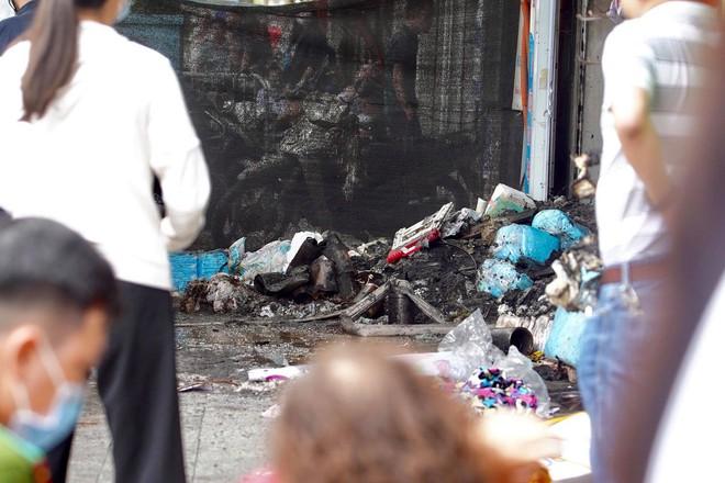[ẢNH] Hiện trường vụ cháy cửa hàng bán đồ trẻ em khiến 4 người trong gia đình tử vong - Ảnh 3.