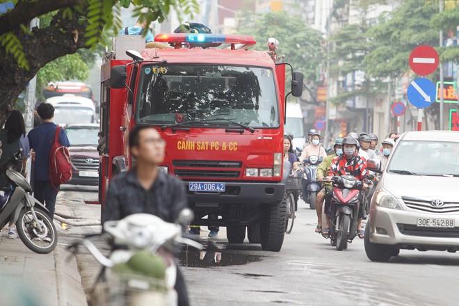 [ẢNH] Hiện trường vụ cháy cửa hàng bán đồ trẻ em khiến 4 người trong gia đình tử vong - Ảnh 11.