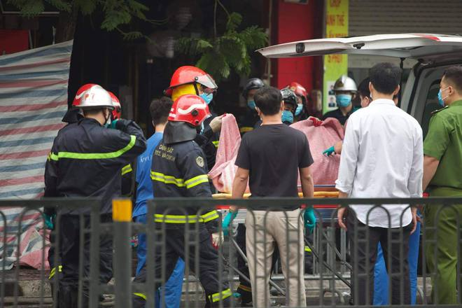 [ẢNH] Hiện trường vụ cháy cửa hàng bán đồ trẻ em khiến 4 người trong gia đình tử vong - Ảnh 5.