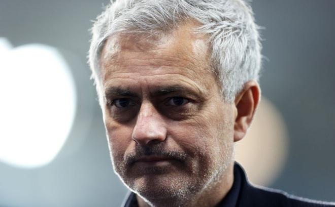 """Khi độc chiêu """"gây thù chuốc oán"""" hết tác dụng, đã đến lúc Mourinho thấy mình thực sự hết thời?"""