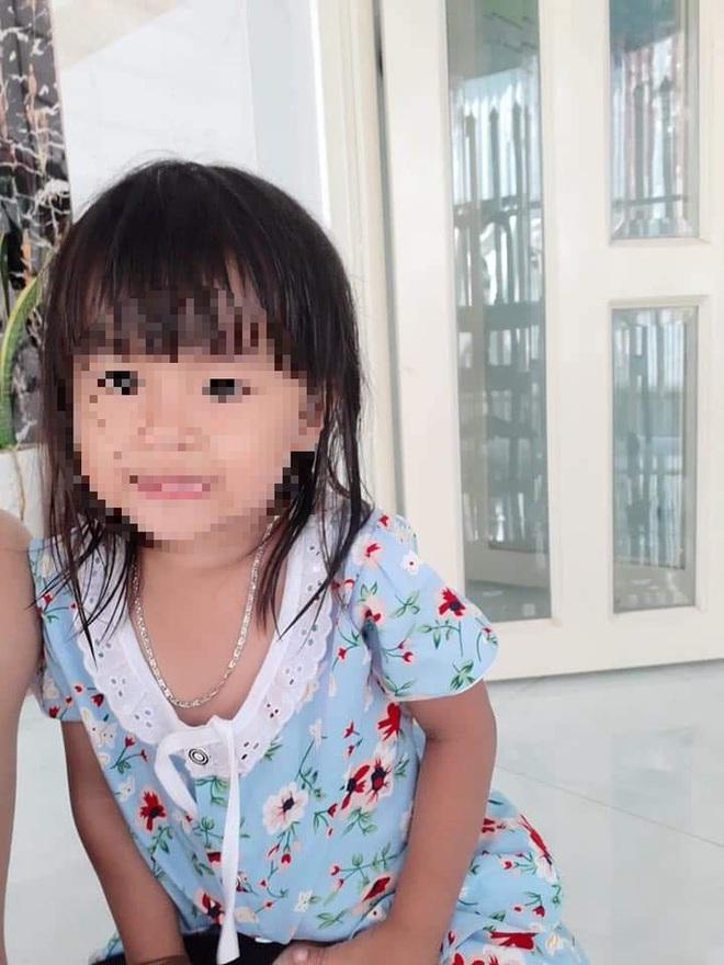 Nghi vấn cha tâm thần ôm con gái 3 tuổi định nhảy cầu tự tử - Ảnh 2.