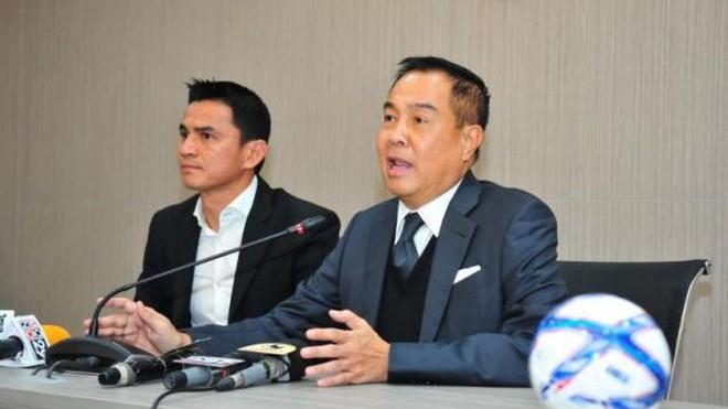 Hai lần vấp ngã ở Thái Lan, Kiatisuk vụt sáng tại VN với kịch bản giống HLV Park đến kỳ lạ - Ảnh 1.