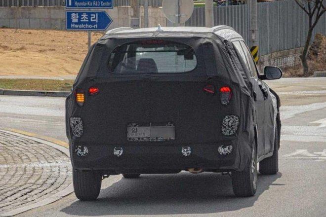Lộ diện mẫu xe mới của Kia, đấu với Mitsubishi Xpander, giá khoảng 346 triệu đồng - Ảnh 2.