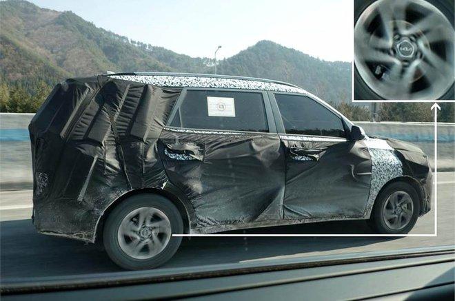 Lộ diện mẫu xe mới của Kia, đấu với Mitsubishi Xpander, giá khoảng 346 triệu đồng - Ảnh 1.