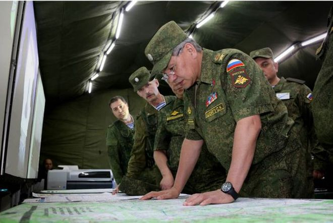 Nga kiểm tra khả năng sẵn sàng chiến đấu toàn lực lượng: Chiến sự Donbass nóng rẫy! - Ảnh 1.