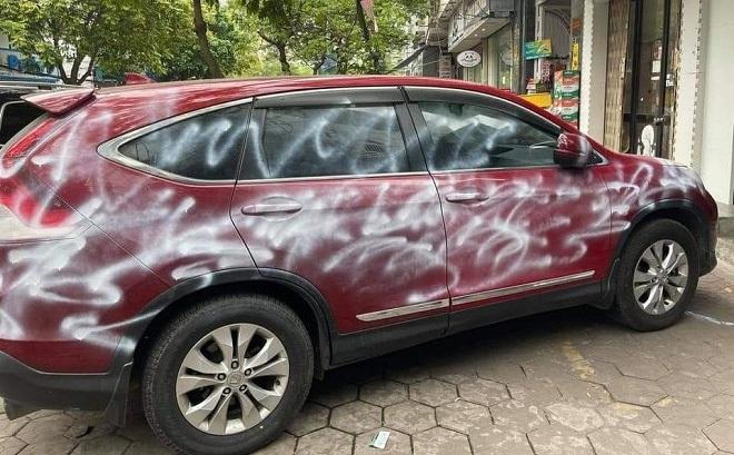 Danh tính người xịt sơn lên toàn thân ô tô Honda CRV vì đỗ chặn cửa hàng ở Hải Phòng