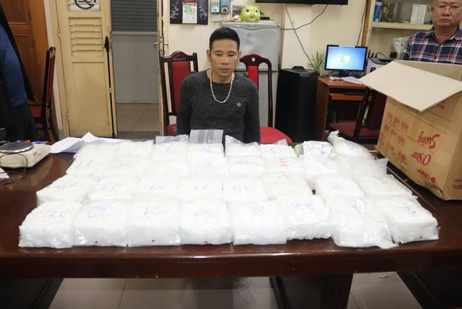 Hà Nội: Triệt phá băng nhóm ma túy khủng hoạt động ở chung cư cao cấp do bà trùm Hương mẩu cầm đầu - Ảnh 3.
