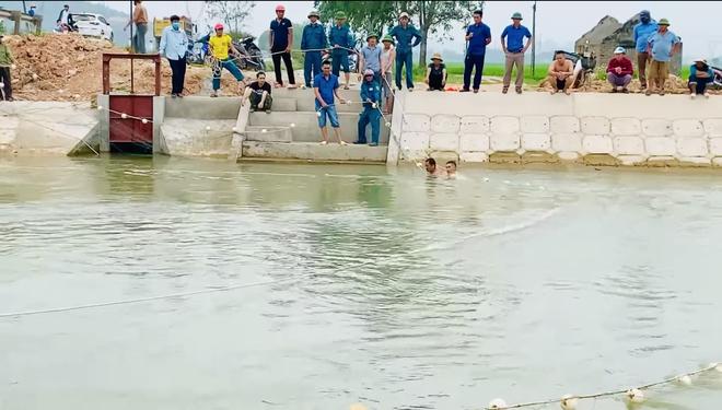 Cả trăm người giăng lưới, chạy thuyền dọc sông Đào tìm kiếm thi thể nam sinh lớp 6 - Ảnh 5.