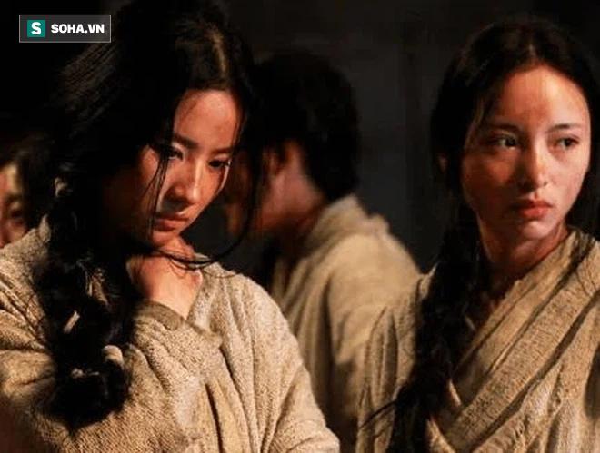 Lý do đáng sợ đằng sau việc nha dịch, binh lính thời cổ đại thường tranh nhau đi áp giải các nữ phạm nhân bị lưu đày - Ảnh 4.