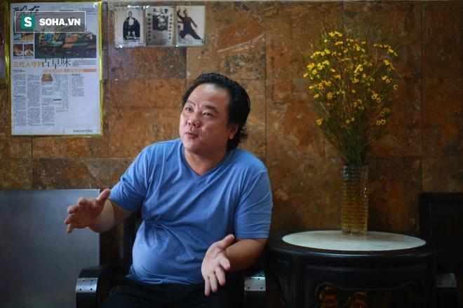 Ông chủ người Hoa của tiệm bánh độc nhất vô nhị Sài Gòn: Ở Việt Nam giờ không ai làm theo cách của người Tiều nữa - Ảnh 1.