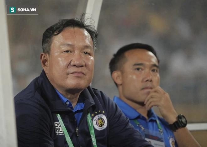 Bầu Hiển không vui, tìm gặp riêng HLV mới sau trận thua của Hà Nội FC - Ảnh 6.