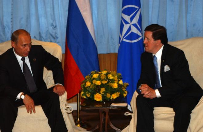 Càng cố giãy giụa, cầu cứu NATO, vòng vây của Nga quanh Ukraine càng siết chặt: Vì sao? - Ảnh 1.