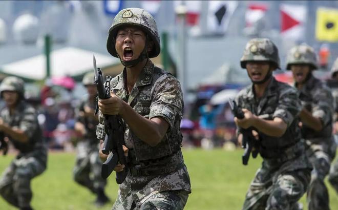 Trung Quốc thừa nhận sự thật bẽ bàng về quân đội, có một điều mà 400 tàu chiến cũng không bù nổi