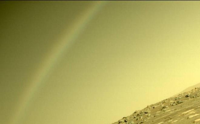 NASA chụp được bức ảnh ấn tượng về 'cầu vồng' trên sao Hỏa