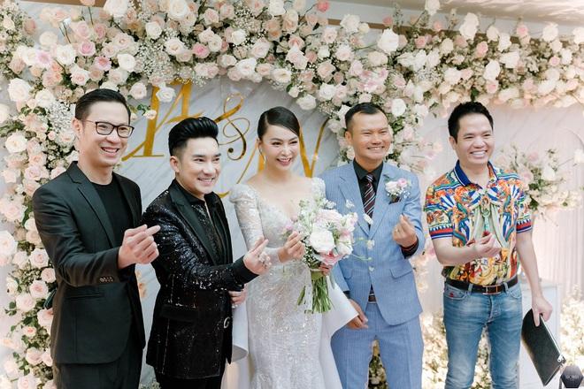 Dàn nghệ sĩ Việt dự đám cưới ca sĩ Mỹ Ngọc với chồng đại gia hơn 12 tuổi - Ảnh 6.