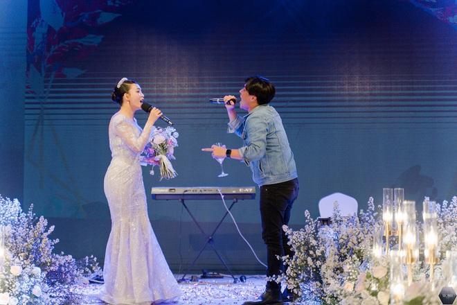 Dàn nghệ sĩ Việt dự đám cưới ca sĩ Mỹ Ngọc với chồng đại gia hơn 12 tuổi - Ảnh 10.