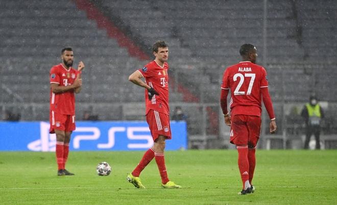 Thua đau PSG, Bayern lỡ cơ hội cân bằng kỷ lục của MU - Ảnh 1.