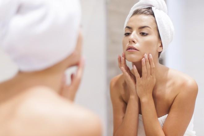 Tắm xong soi gương quan sát 11 bộ phận cơ thể: Cách tự phát hiện sớm nhiều bệnh để đi khám - Ảnh 3.