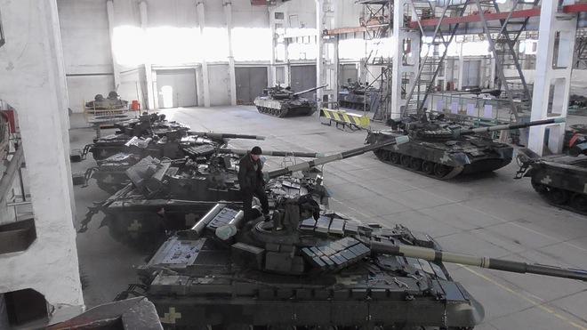 Chiến tranh Donbass 2.0: Hàng trăm tăng Ukraine sẽ bốc hơi trước khi đối mặt T-72B3 Nga? - Ảnh 1.
