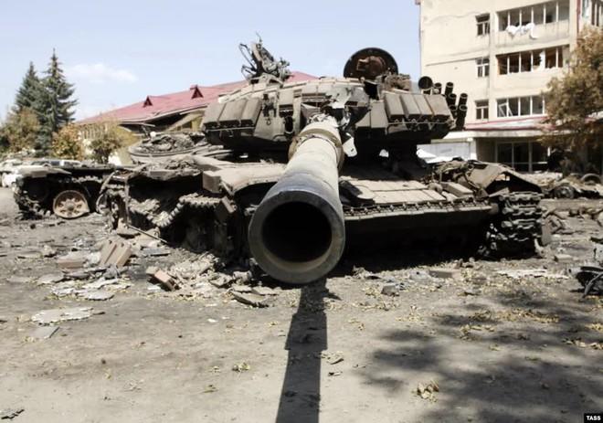Chiến tranh Donbass 2.0: Hàng trăm tăng Ukraine sẽ bốc hơi trước khi đối mặt T-72B3 Nga? - Ảnh 6.