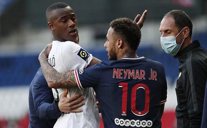 Vừa thắng Bayern, PSG lại nhận tin buồn từ Neymar