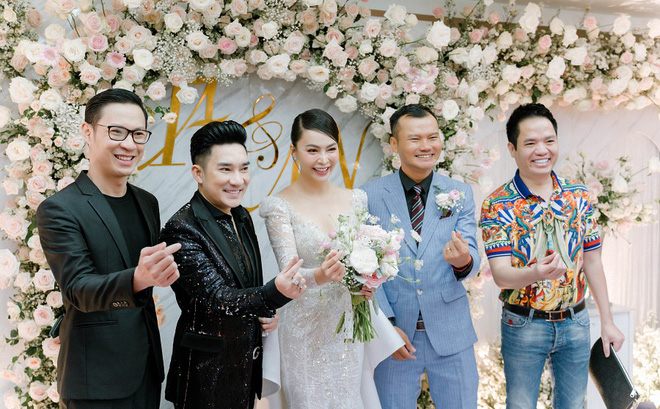 Dàn nghệ sĩ Việt dự đám cưới ca sĩ Mỹ Ngọc với chồng đại gia hơn 12 tuổi