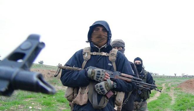 NATO ra thông báo khẩn, yêu cầu Nga lập tức rút quân khỏi Donbass - Syria bị tấn công, hệ thống phòng không rực lửa đáp trả - Ảnh 1.